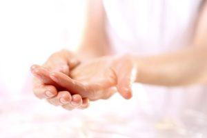 41780817 - scrub hands